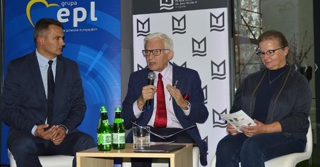 Debata o smogu z udziałem prof. Jerzego Buzka